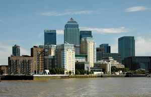 800px-London,_Canary_Wharf_from_Thames_2011-03-05