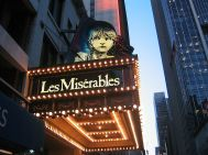 800px-New_York_Imperial_Theatre_Les_Miserables_2003