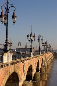 400px-Bordeaux_Pont_de_Pierre
