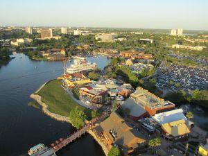 800px-Orlando_Florida_April_2010_13