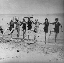 609px-Dancing_on_the_beach
