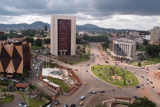 Official Bilingualism and Linguistic Communication in Cameroon